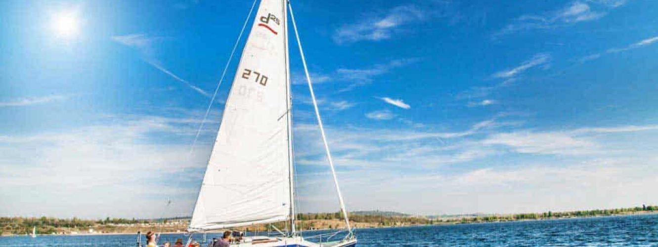 Segelboot Uno auf dem Geiseltalsee