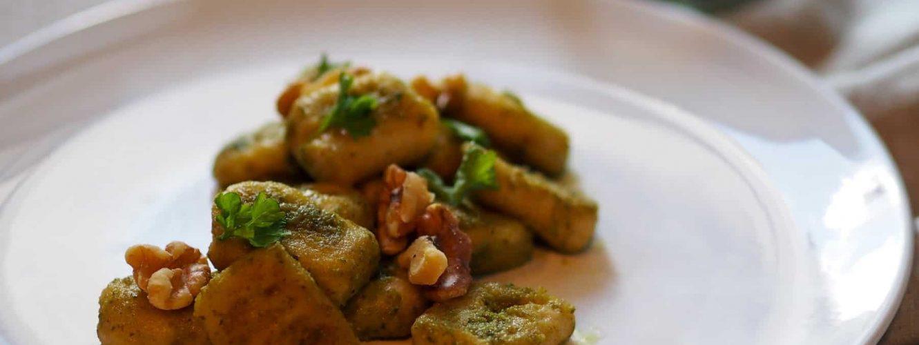 fertiges Gericht Gnocchi mit Walnusspesto